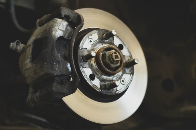 Spotting Broken Brake Pads: 3 Red Flags to Watch Out For
